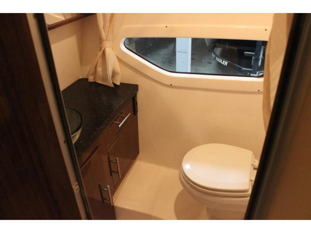 2014 Regal boat for sale, model of the boat is 32 & Image # 8 of 9