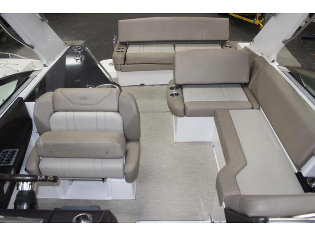 2014 Regal boat for sale, model of the boat is 32 & Image # 5 of 9