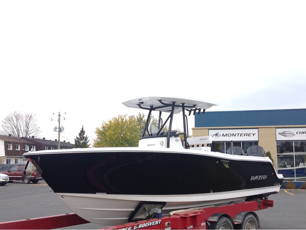 2020 Blackfin boat for sale, model of the boat is 242cc & Image # 3 of 30