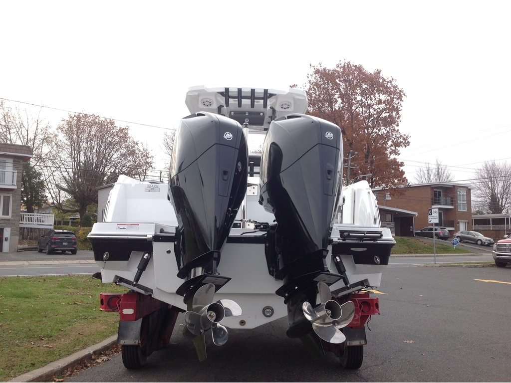 2020 Blackfin boat for sale, model of the boat is 242cc & Image # 19 of 30