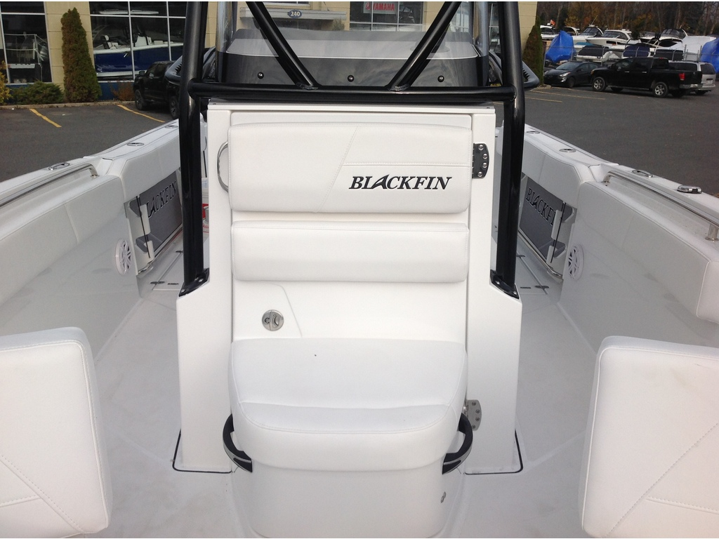 2020 Blackfin boat for sale, model of the boat is 242cc & Image # 7 of 30