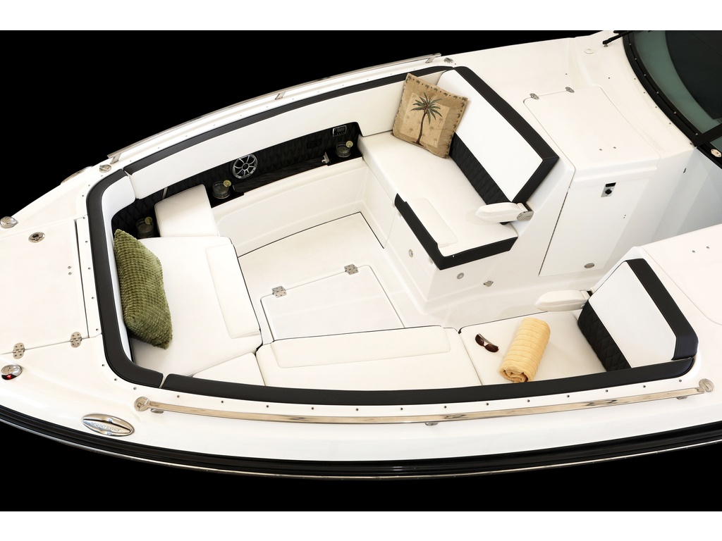 2021 Monterey boat for sale, model of the boat is 385 Se & Image # 4 of 8