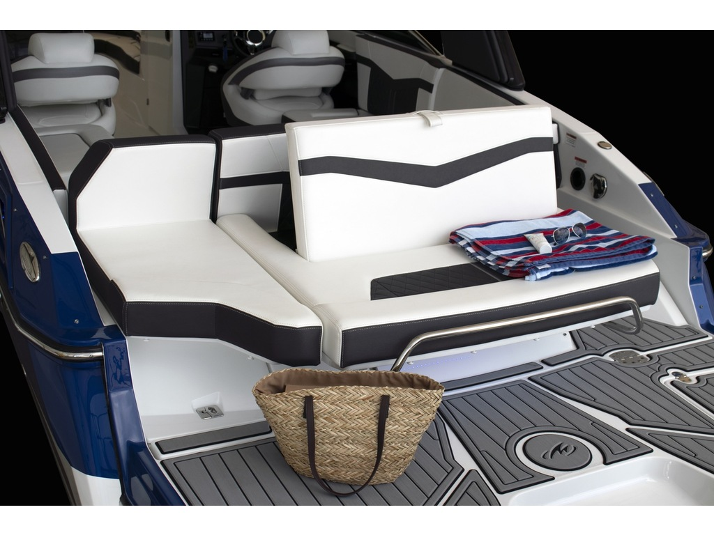 2021 Monterey boat for sale, model of the boat is 275 Ss & Image # 5 of 6