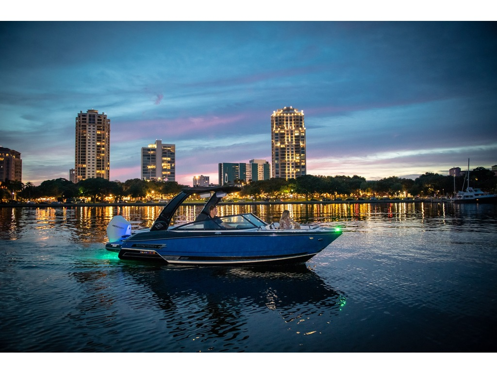2021 Monterey boat for sale, model of the boat is 235 Ss & Image # 3 of 6