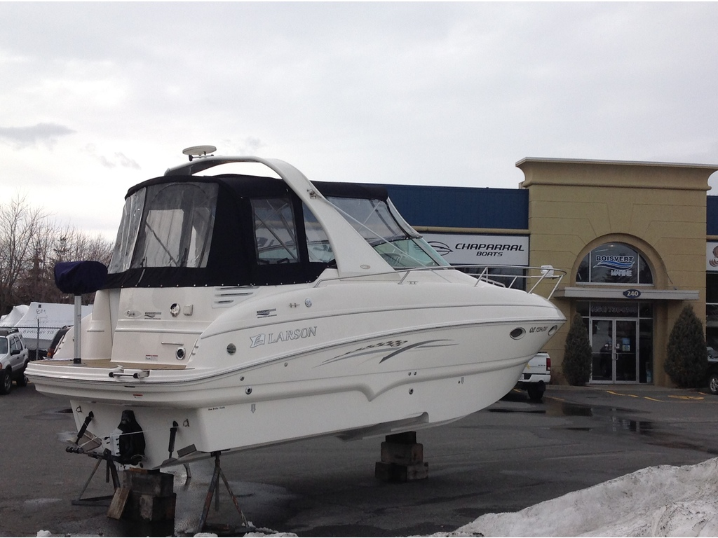 2007 Larson boat for sale, model of the boat is Cabrio 274 & Image # 3 of 17