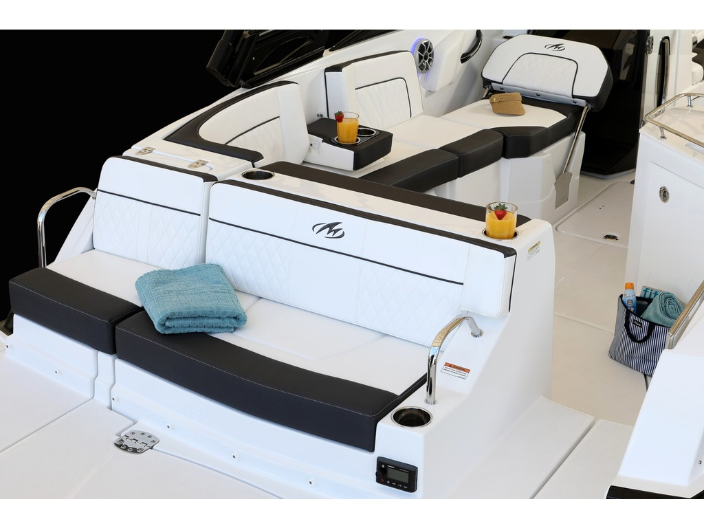 2021 Monterey boat for sale, model of the boat is M65 & Image # 8 of 9