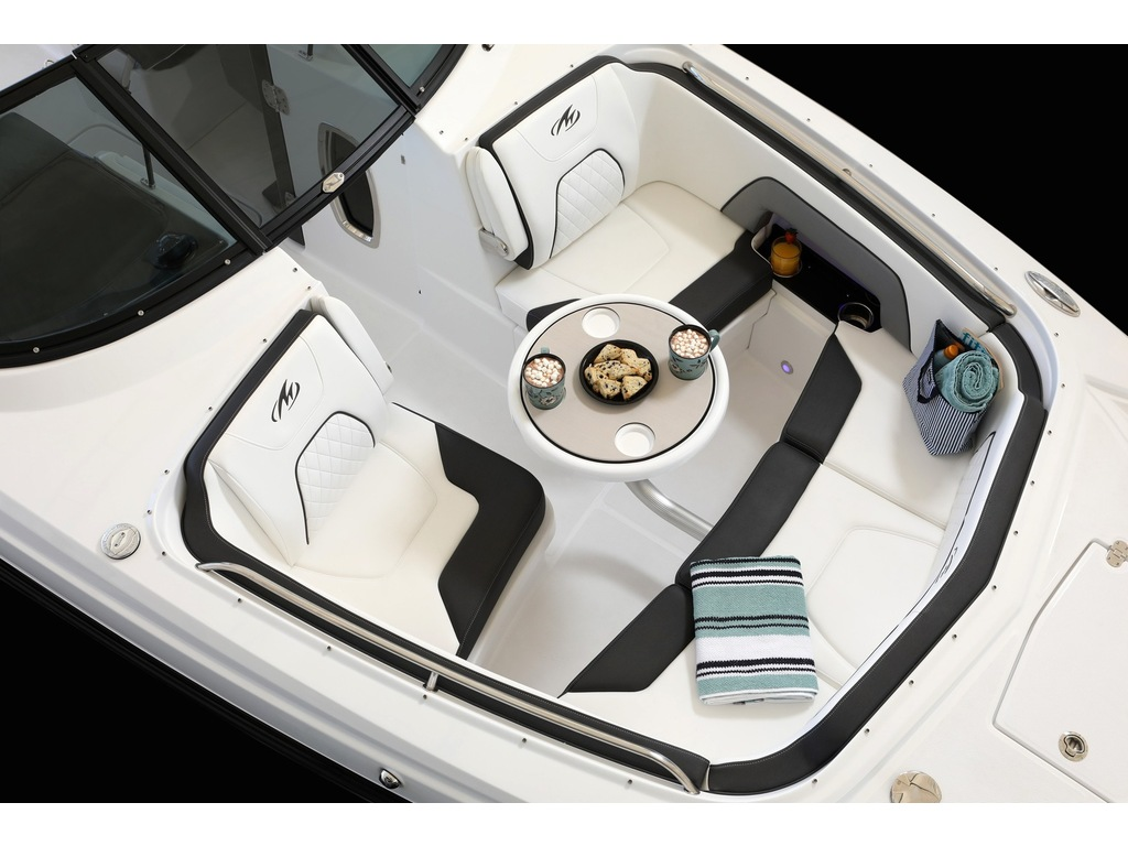 2021 Monterey boat for sale, model of the boat is M65 & Image # 5 of 9