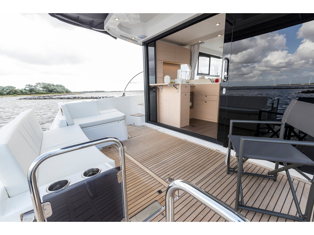 2021 Beneteau boat for sale, model of the boat is Swift Trawler 41 Fly & Image # 7 of 19