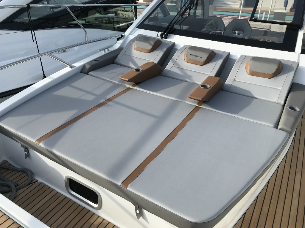 2021 Beneteau boat for sale, model of the boat is Gt32 O/b & Image # 19 of 24