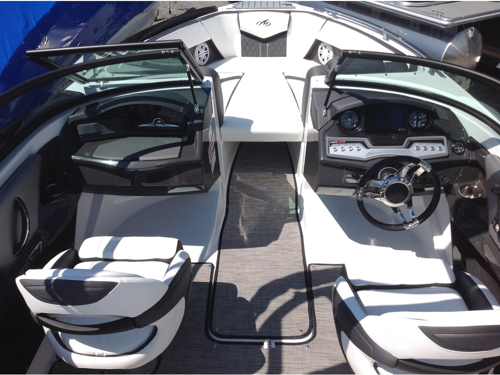 2020 Monterey boat for sale, model of the boat is 218 Ss & Image # 5 of 14