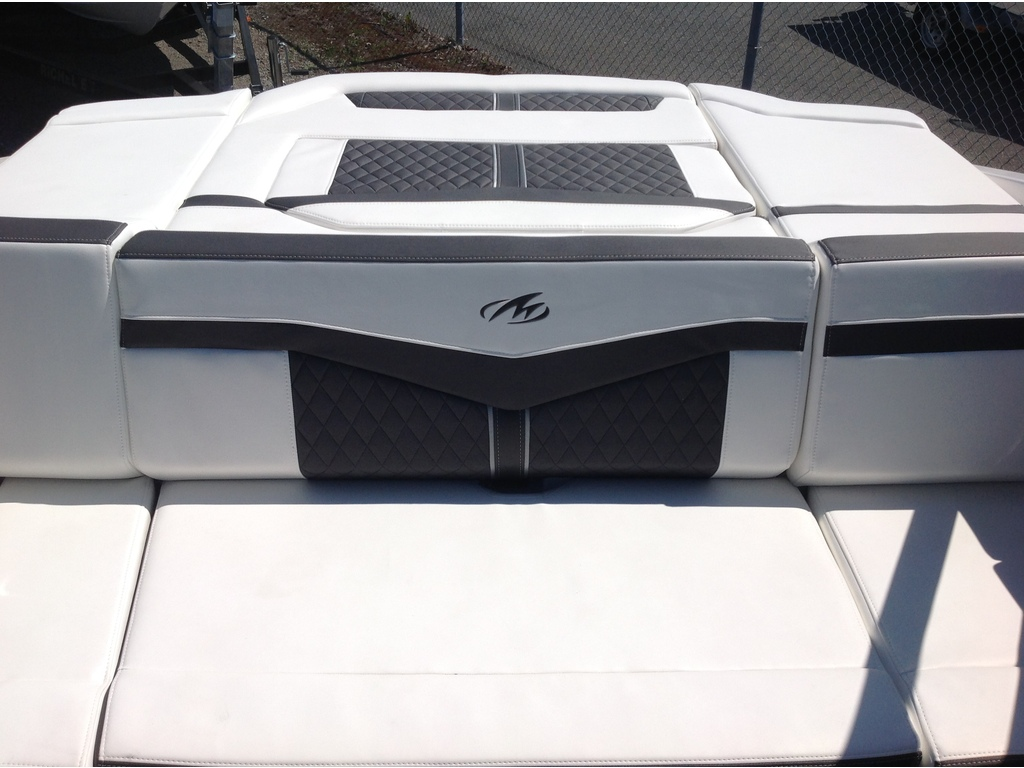 2020 Monterey boat for sale, model of the boat is 218 Ss & Image # 12 of 14