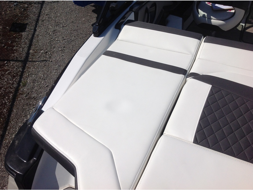 2020 Monterey boat for sale, model of the boat is 218 Ss & Image # 13 of 14