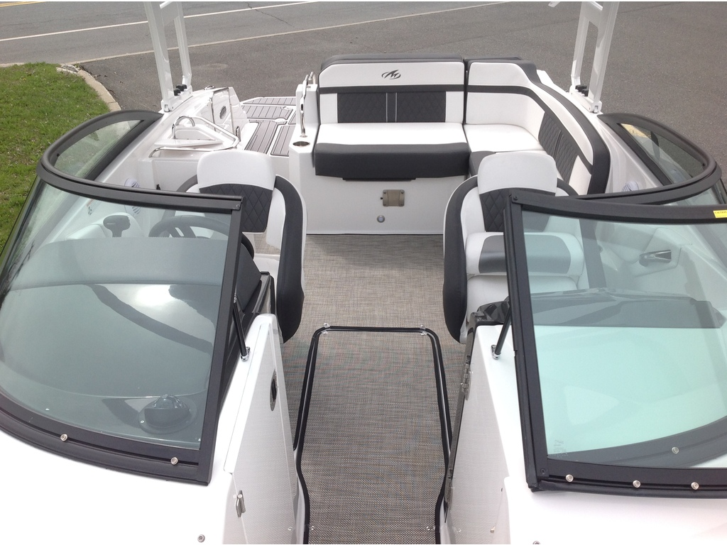 2020 Monterey boat for sale, model of the boat is M4 & Image # 12 of 16