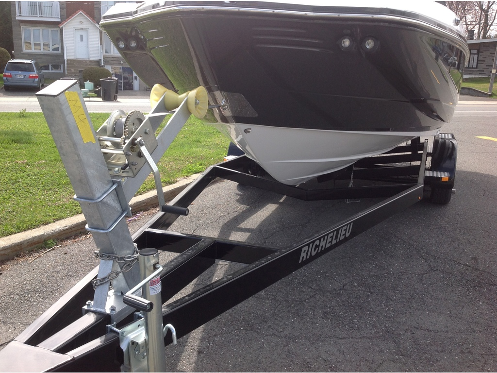 2020 Monterey boat for sale, model of the boat is M4 & Image # 5 of 16