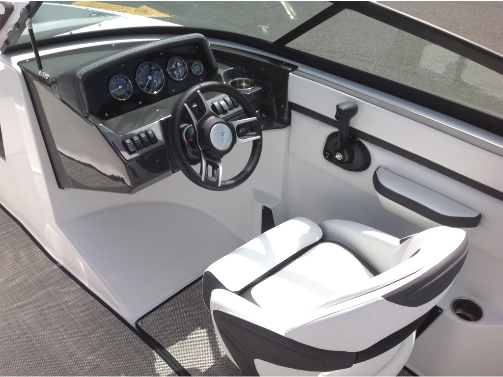 2020 Monterey boat for sale, model of the boat is M20 & Image # 7 of 18
