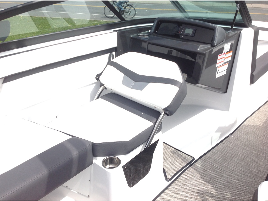 2020 Monterey boat for sale, model of the boat is M20 & Image # 10 of 18
