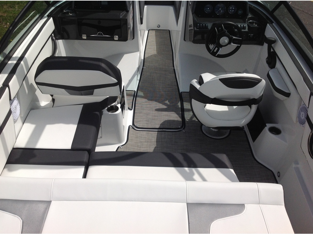 2020 Monterey boat for sale, model of the boat is M20 & Image # 6 of 18