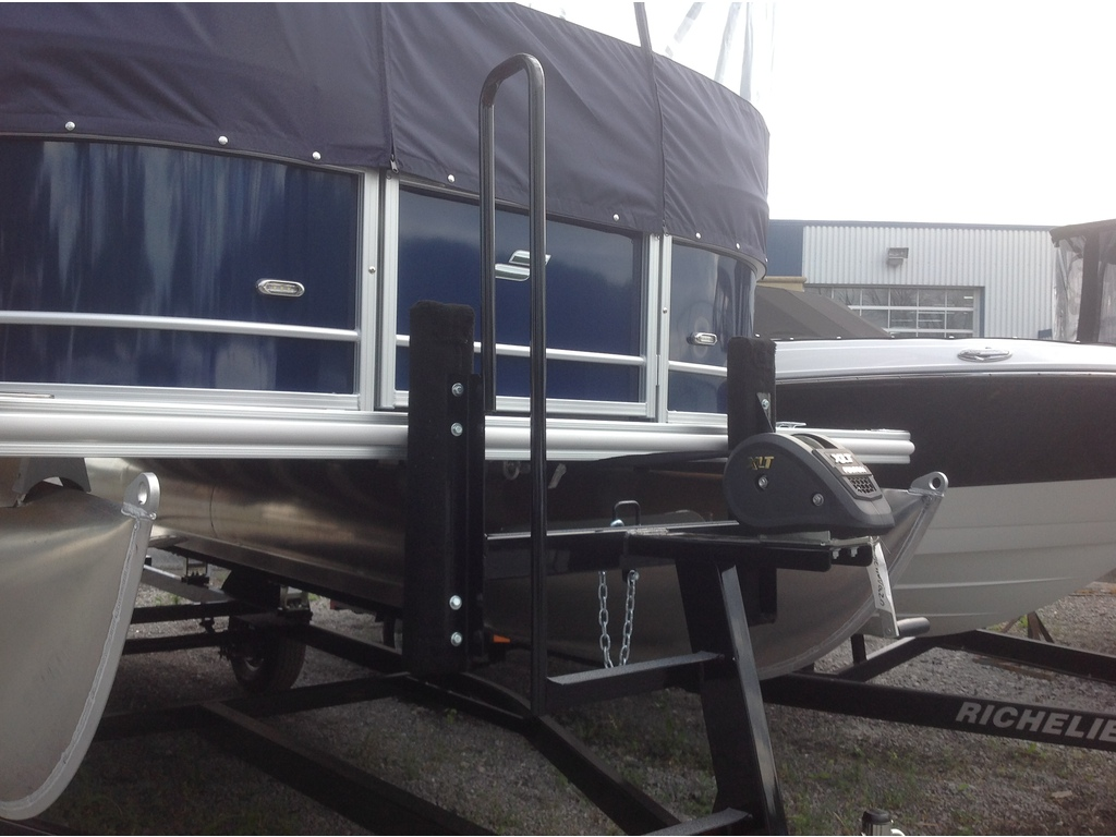 2021 Starcraft boat for sale, model of the boat is Ponton Ex 20c & Image # 2 of 11
