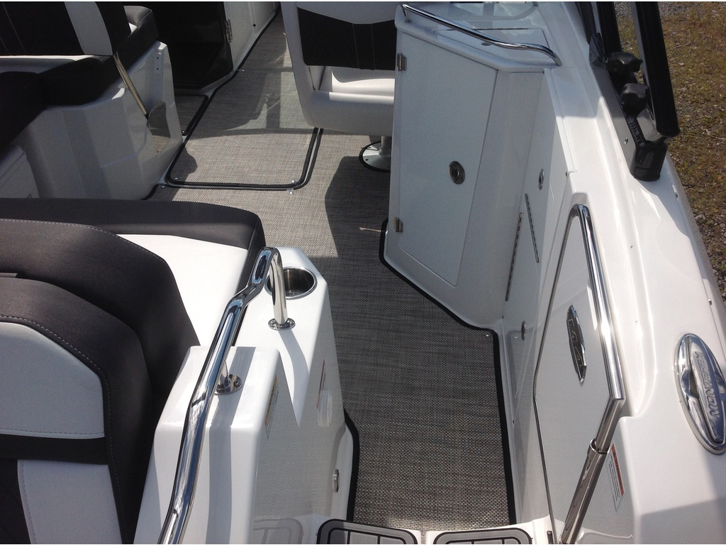2021 Monterey boat for sale, model of the boat is M4 & Image # 7 of 16