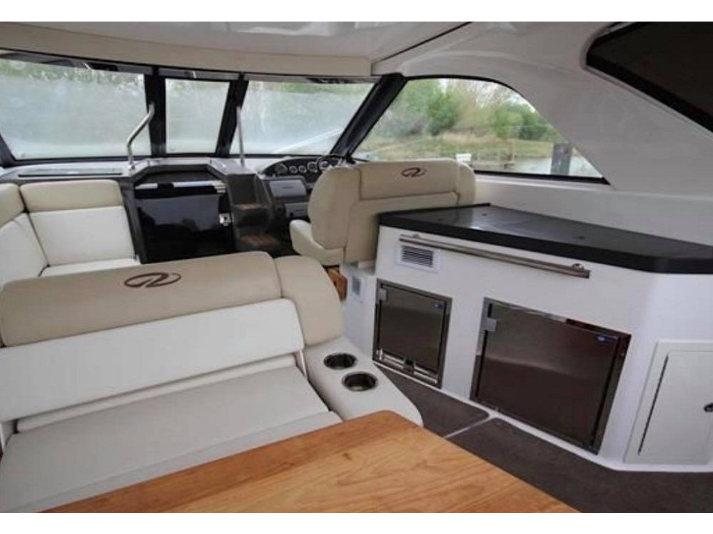2012 Regal boat for sale, model of the boat is 35 Sport Coupe & Image # 3 of 13