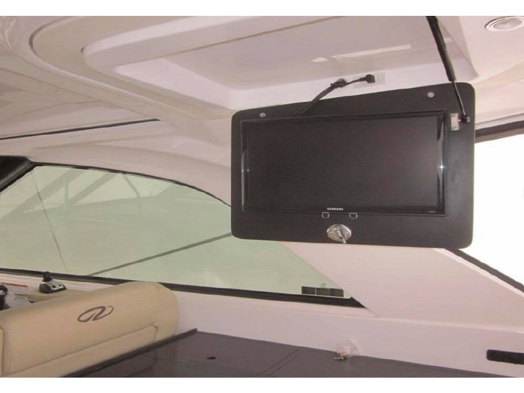 2012 Regal boat for sale, model of the boat is 35 Sport Coupe & Image # 6 of 12