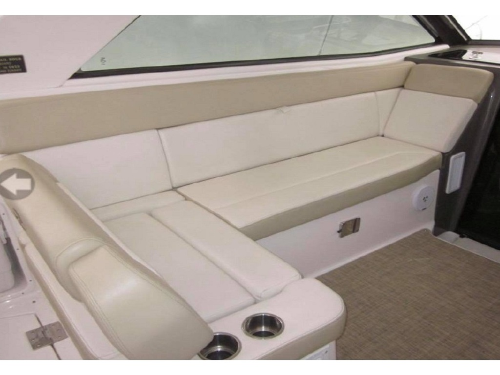 2012 Regal boat for sale, model of the boat is 35 Sport Coupe & Image # 5 of 12