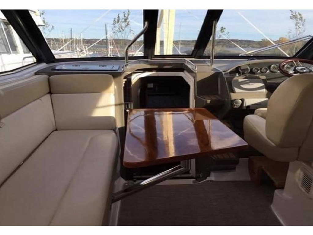 2012 Regal boat for sale, model of the boat is 35 Sport Coupe & Image # 4 of 12