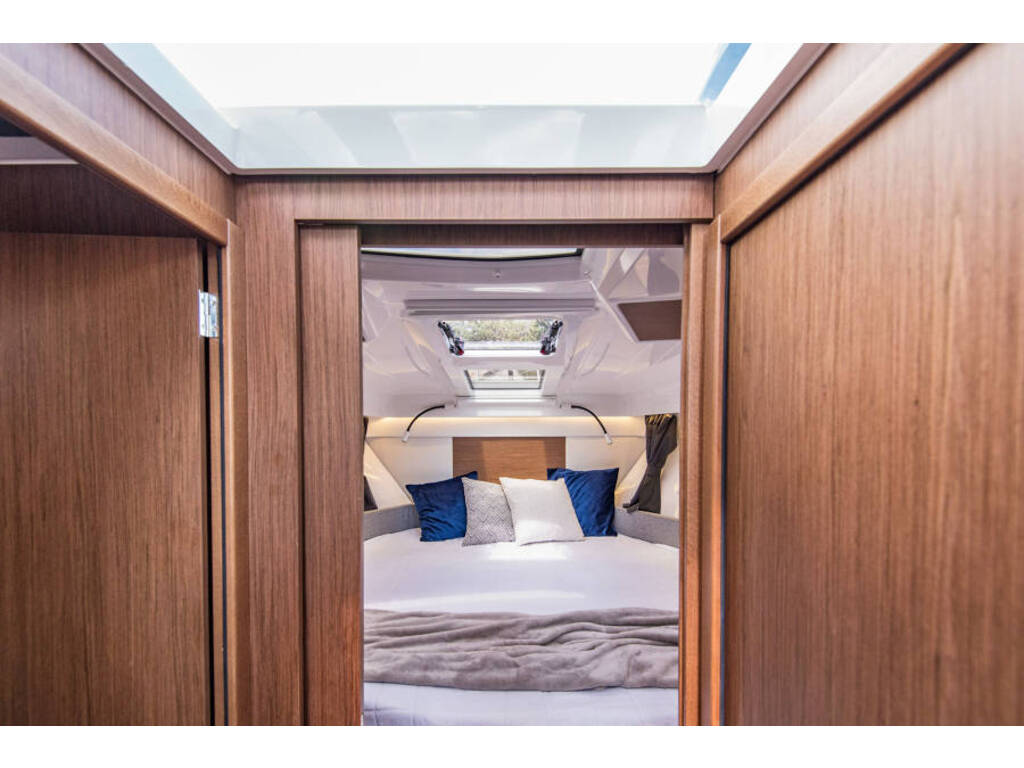 2021 Beneteau boat for sale, model of the boat is Antares 27 & Image # 9 of 13