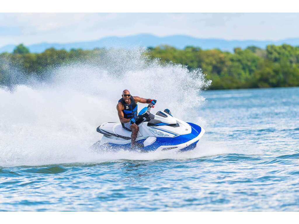 2022 Yamaha boat for sale, model of the boat is Vx Deluxe & Image # 6 of 6