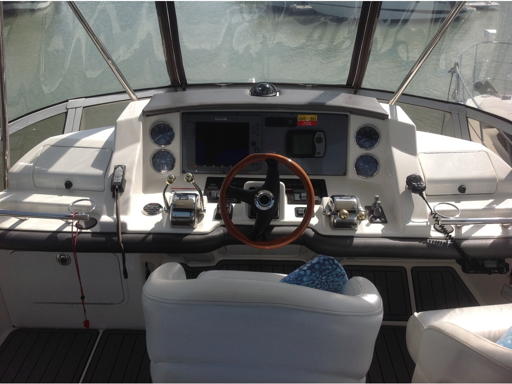 2007 Sea Ray boat for sale, model of the boat is Sedan 360 & Image # 10 of 19