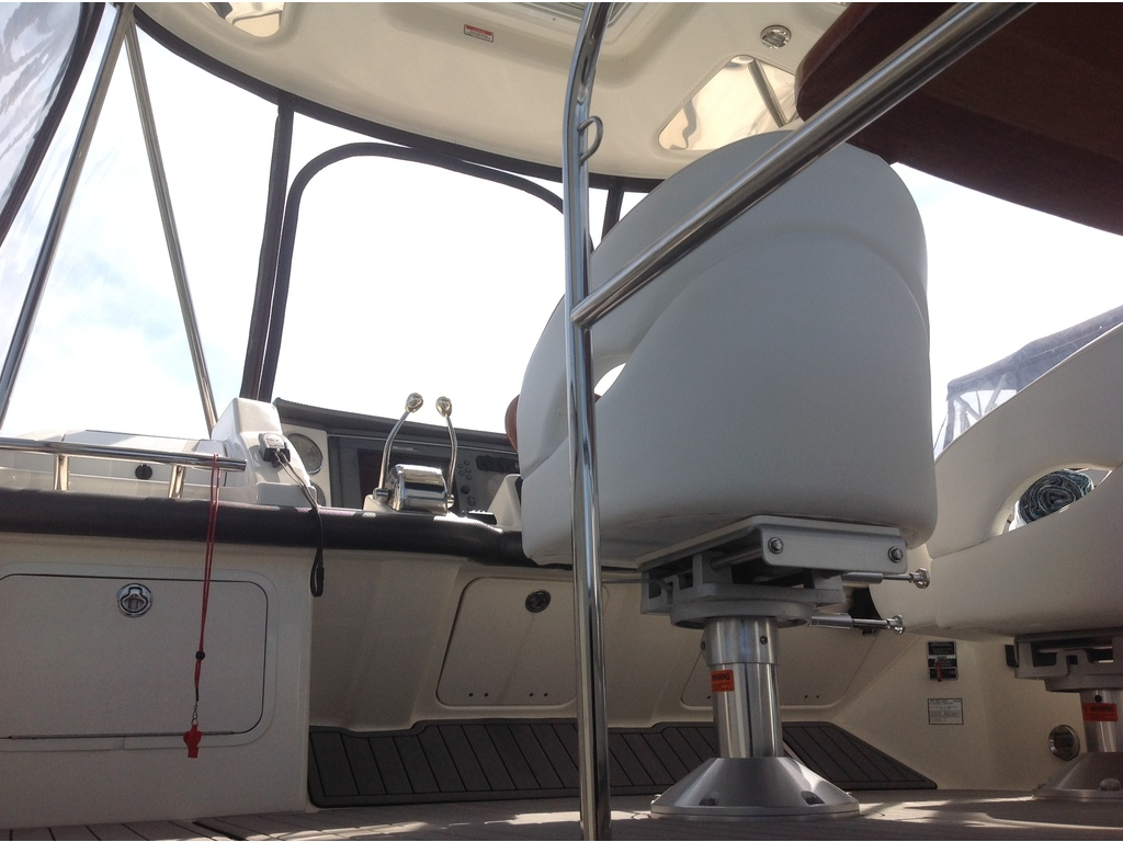 2007 Sea Ray boat for sale, model of the boat is Sedan 360 & Image # 8 of 19