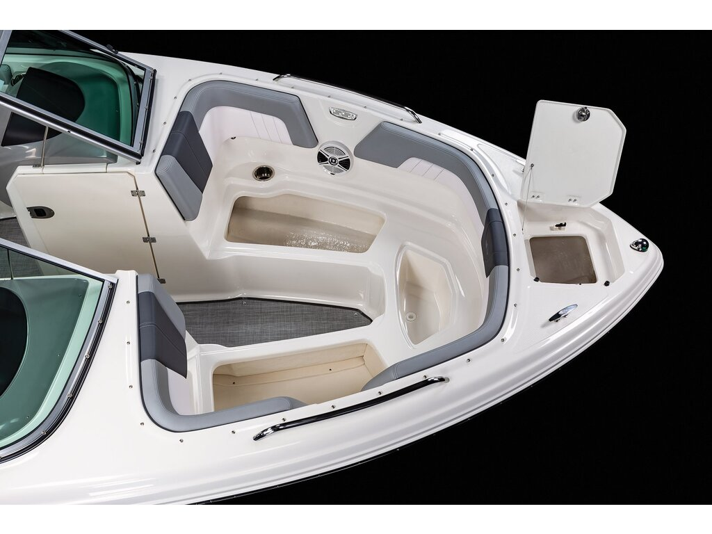 2021 Chaparral boat for sale, model of the boat is 23 Ssi & Image # 11 of 12