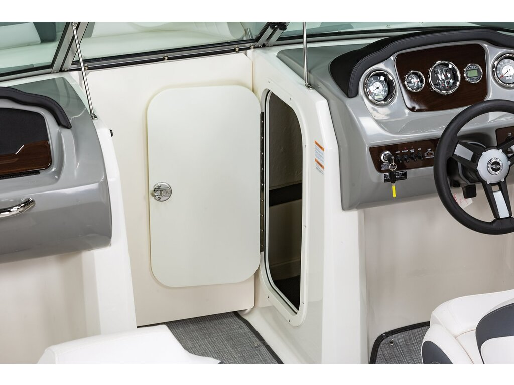 2021 Chaparral boat for sale, model of the boat is 23 Ssi & Image # 8 of 12