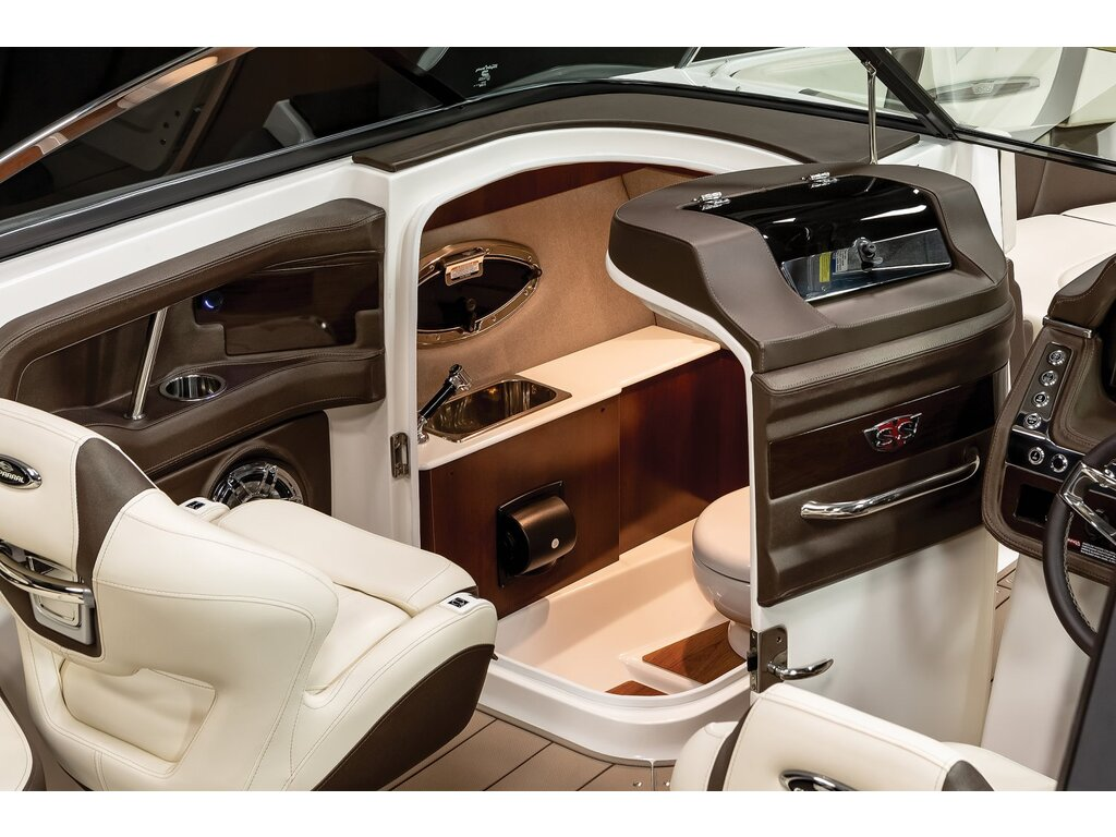 2021 Chaparral boat for sale, model of the boat is 267 Ssx & Image # 8 of 14