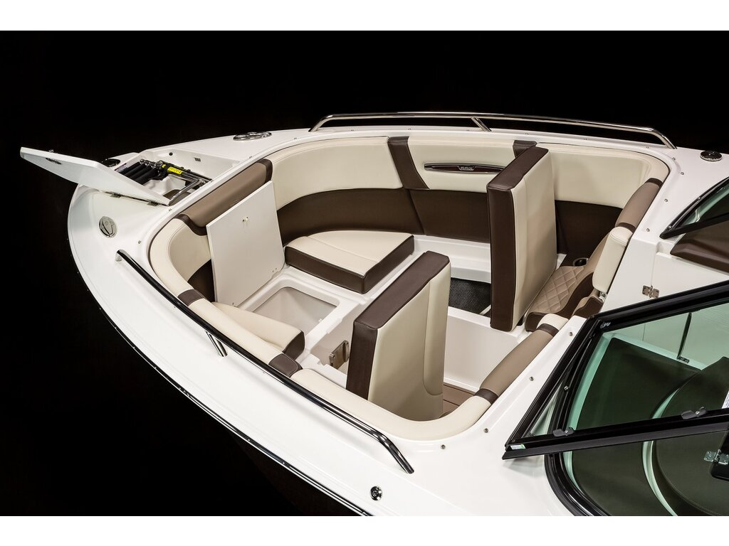 2021 Chaparral boat for sale, model of the boat is 267 Ssx & Image # 9 of 14