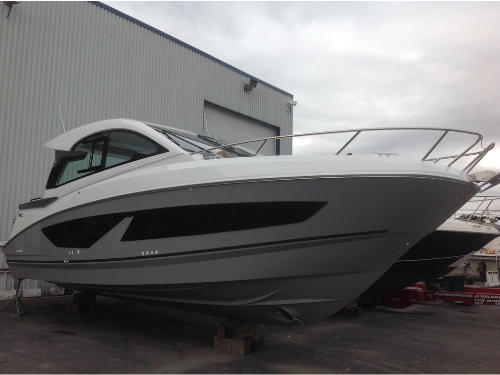 2021 Beneteau boat for sale, model of the boat is Gt32 O/b & Image # 2 of 24
