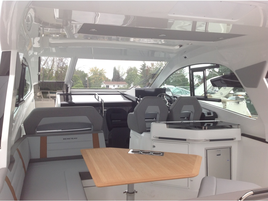 2021 Beneteau boat for sale, model of the boat is Gt32 O/b & Image # 5 of 24