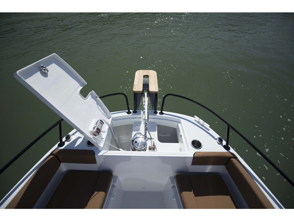 2021 Beneteau boat for sale, model of the boat is Flyer 8 Spacedeck & Image # 6 of 15