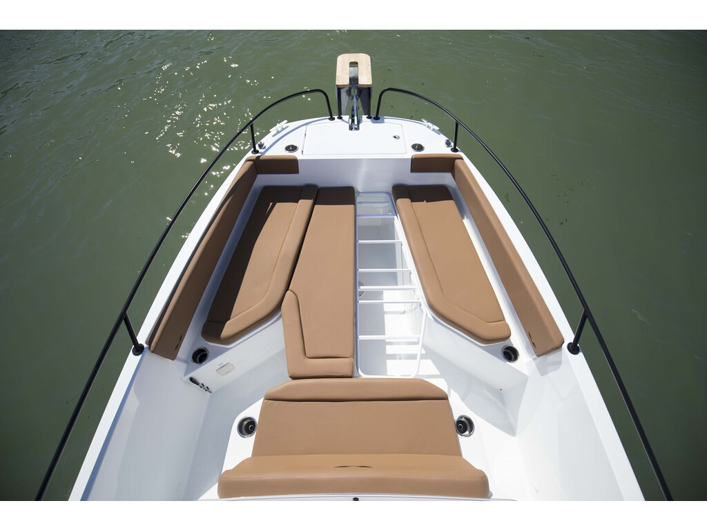 2021 Beneteau boat for sale, model of the boat is Flyer 8 Spacedeck & Image # 5 of 15