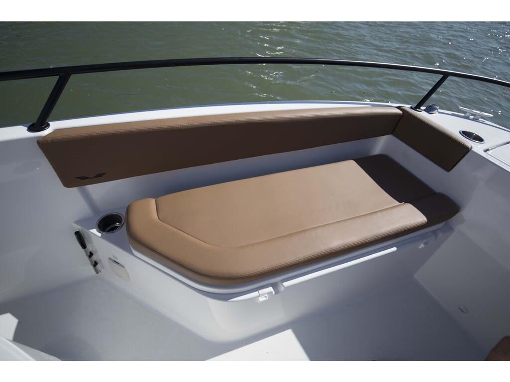 2021 Beneteau boat for sale, model of the boat is Flyer 8 Spacedeck & Image # 8 of 15