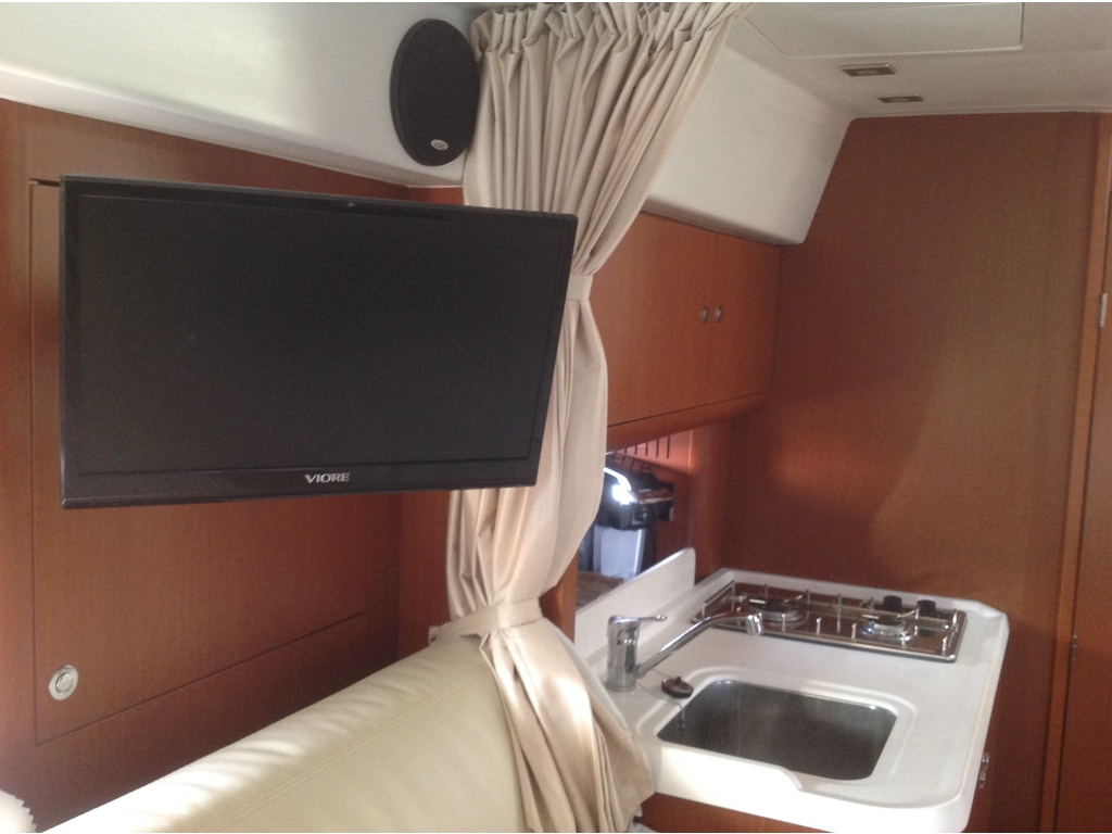 2012 Beneteau boat for sale, model of the boat is Gt 34 & Image # 15 of 17