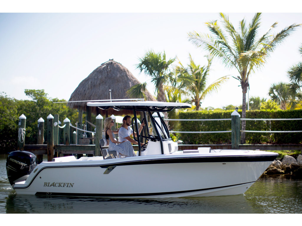2021 Blackfin boat for sale, model of the boat is 222cc & Image # 6 of 8