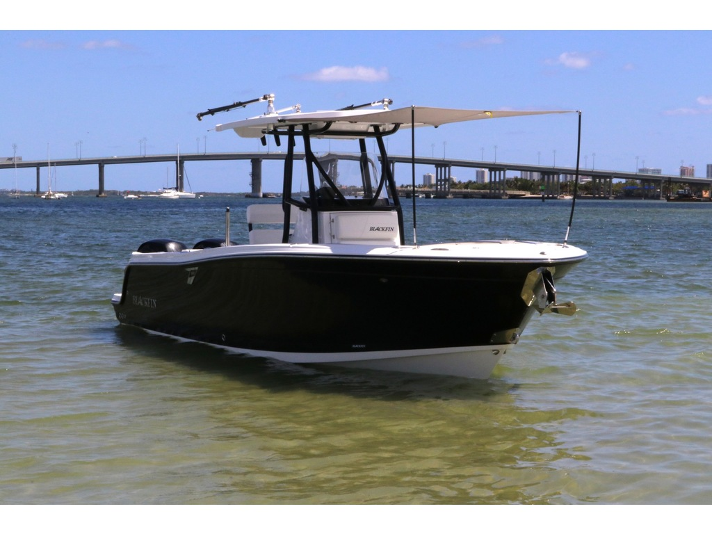 2021 Blackfin boat for sale, model of the boat is 252cc & Image # 8 of 9