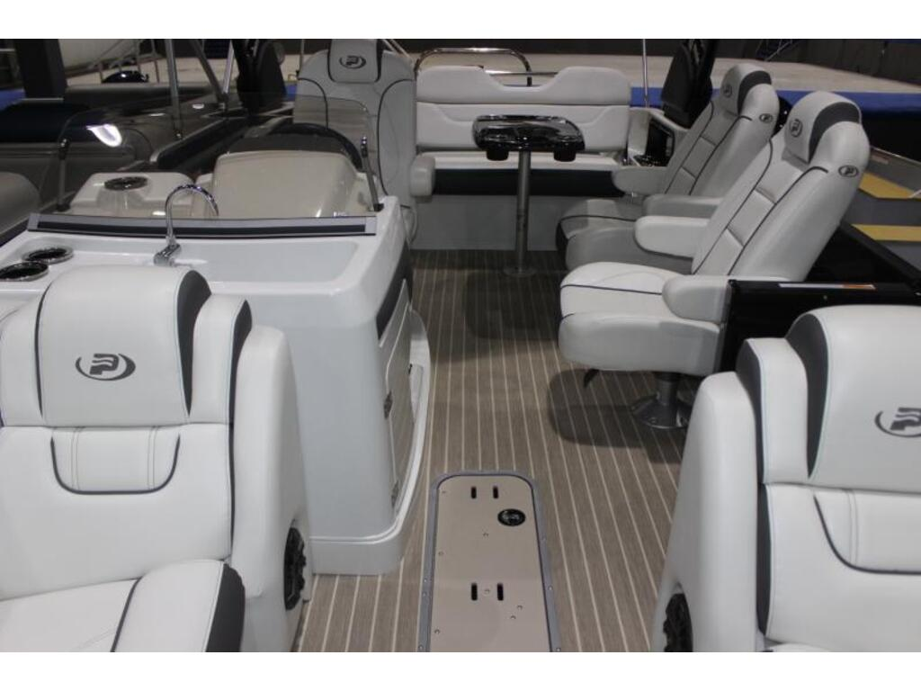 2020 Princecraft boat for sale, model of the boat is Mercury 450hp Racing & Image # 5 of 6