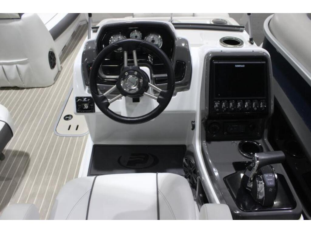 2020 Princecraft boat for sale, model of the boat is Mercury 450hp Racing & Image # 4 of 6