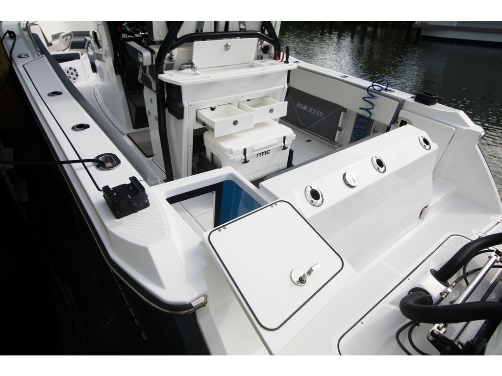 2021 Blackfin Marine International boat for sale, model of the boat is 272 Cc & Image # 13 of 16