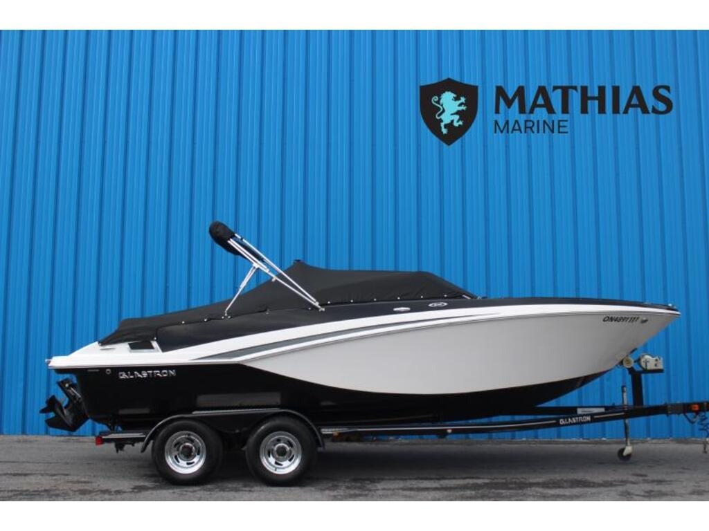 2015 Glastron boat for sale, model of the boat is 225 Gt & Image # 1 of 7