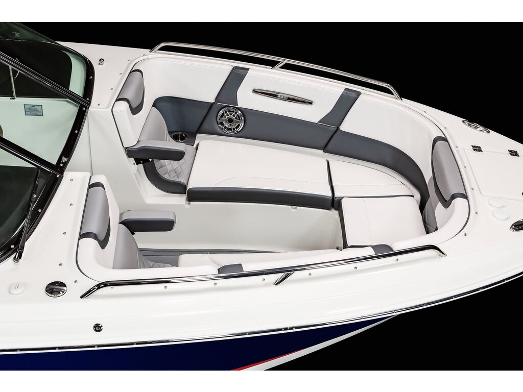 2021 Chaparral boat for sale, model of the boat is 307 Ssx & Image # 4 of 14