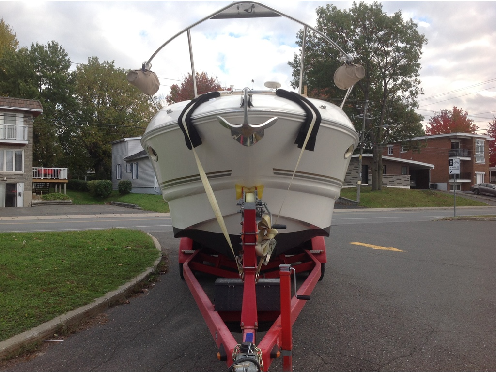 2005 Larson boat for sale, model of the boat is Cabrio 274 & Image # 3 of 18
