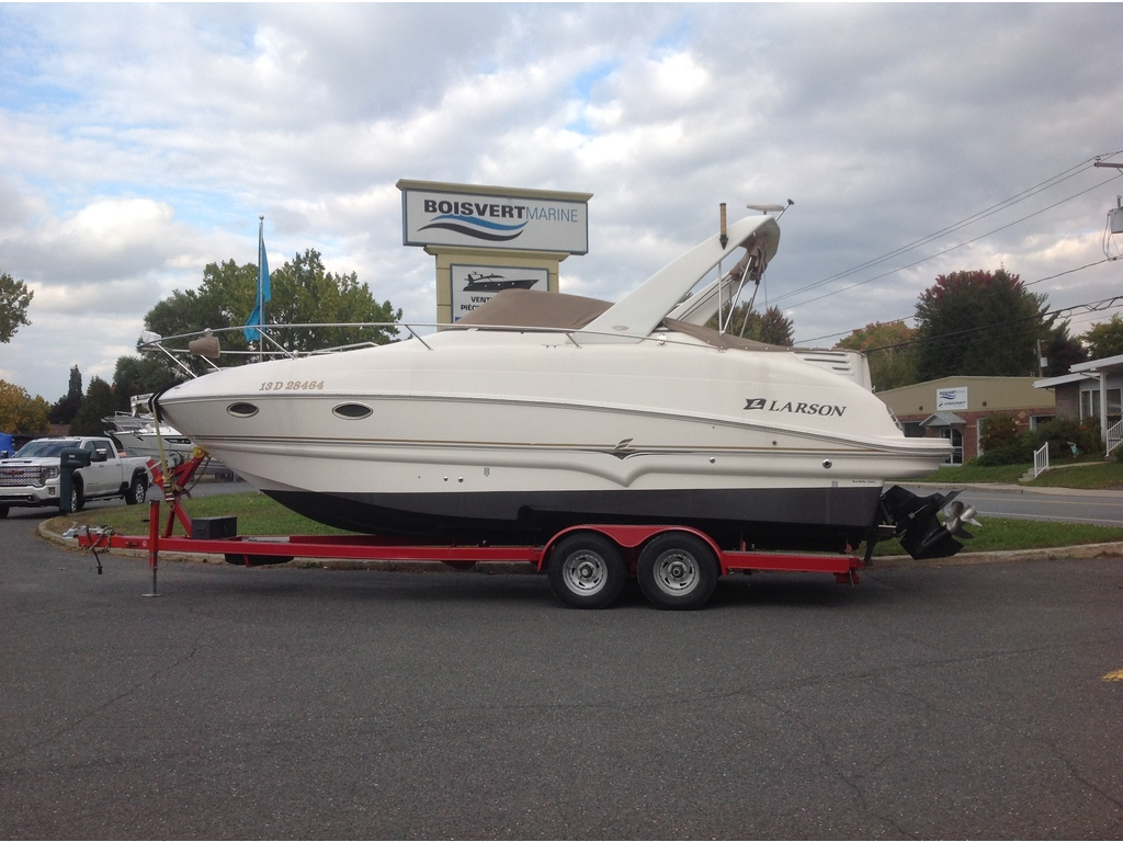 2005 Larson boat for sale, model of the boat is Cabrio 274 & Image # 18 of 18
